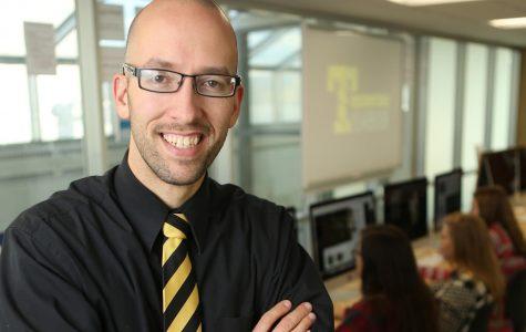 Simons tapped as keynote speaker for Fall Press Day